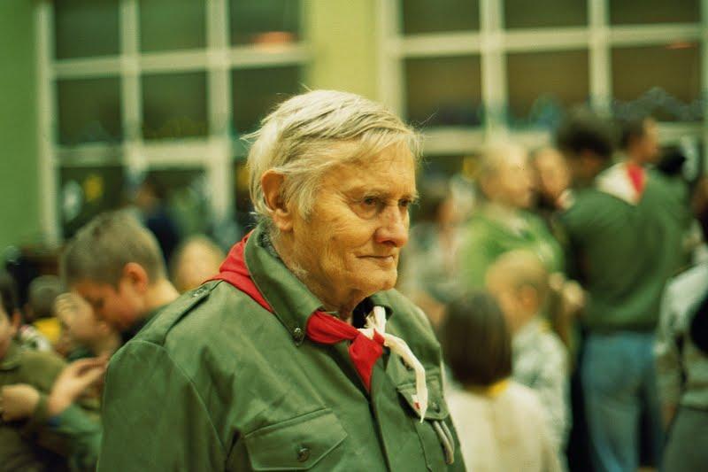Janusz Boisse na sali gimnastycznej I LO