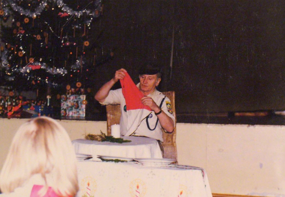 Janusz Boisse prowadzi kominek wigilijny